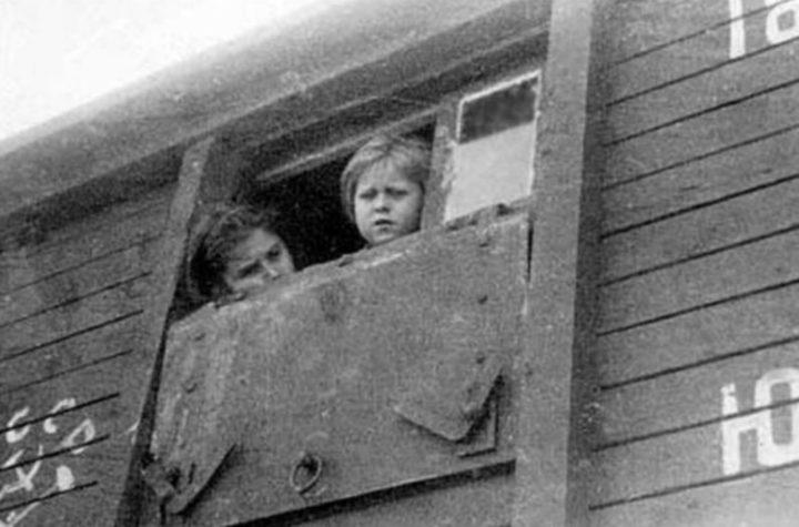 Wagon z Polakami wywożonymi w głąb ZSRS/foto historykon.pl